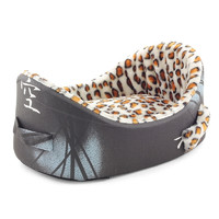 Лежанка для собак Гамма, цвета в ассортименте, размер 55х36х22см.