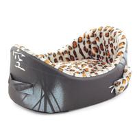 Лежанка для собак Гамма, цвета в ассортименте, размер 65х42х25см.