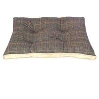 Фотография товара Лежанка для собак Triol 8992-1201B, размер 82х60х6см.